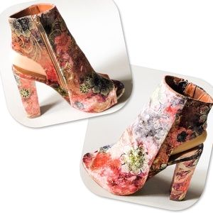BAMBOO Shoes - Bamboo Floral Velvet Peep Toe Chunky Heel Booties